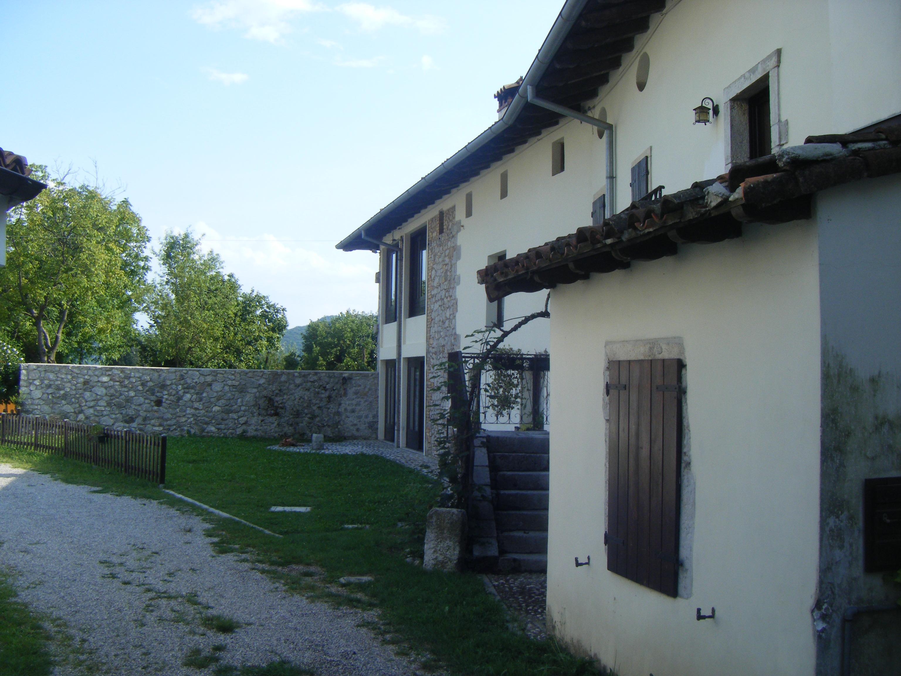Casa Contigua